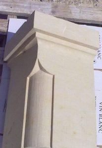 Taille de pierre: Chapiteau mouluré