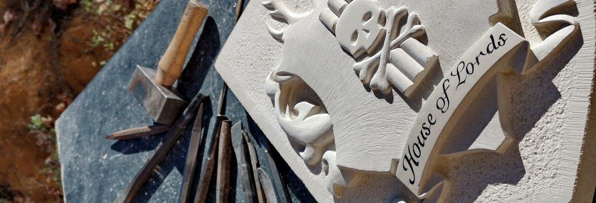 Sculpture sur pierre et bas-relief